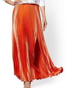 NY & CO Coral Pleated Full Satin Skirt